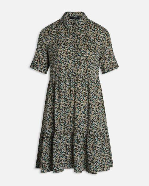 mønstret kjole.