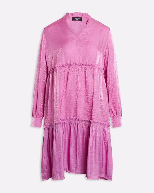 Lyserød kjole